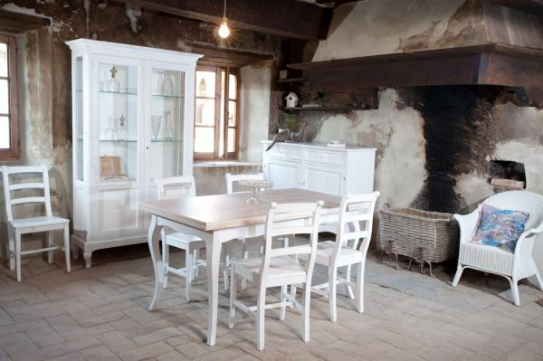 Mobili country by castagnetti c castagnetti c for Country house arredamento